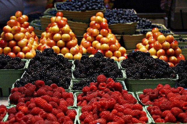 اكثر 12 نوع من الفاكهة غني بالسكر
