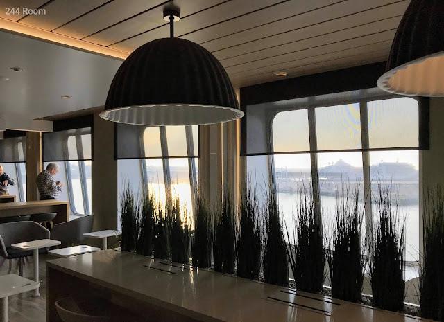 Tallinksilja line Megastar ferry cafe2