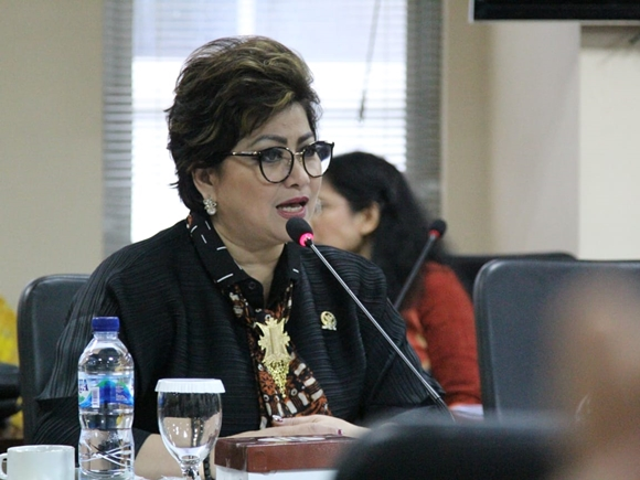 Siaga Corona, Senator Maya Rumantir Minta Pemerintah Tingkatkan Kewaspadaan Untuk Daerah Yang Rentan