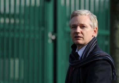 WikiLeaks: Ecuador restablece parcialmente comunicación a Assange