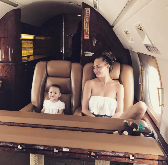 Aww! Adorable photo of Chrissy Teigen and Baby Luna