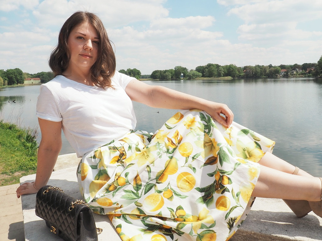 Sommer-Outfit-Zitronen-Print-Chanel