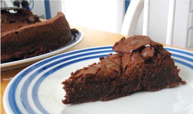 Flourless Chocolate Cake by freshfromthe.com