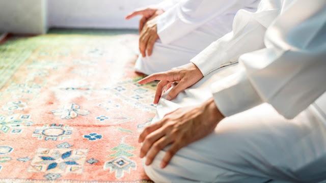 Tata Cara Shalat Idul Fitri di Rumah Lengkap Arab dan Latinnya