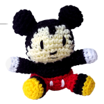 http://cafedelcraft.com/mickey-mouse-amigurumi-pattern/