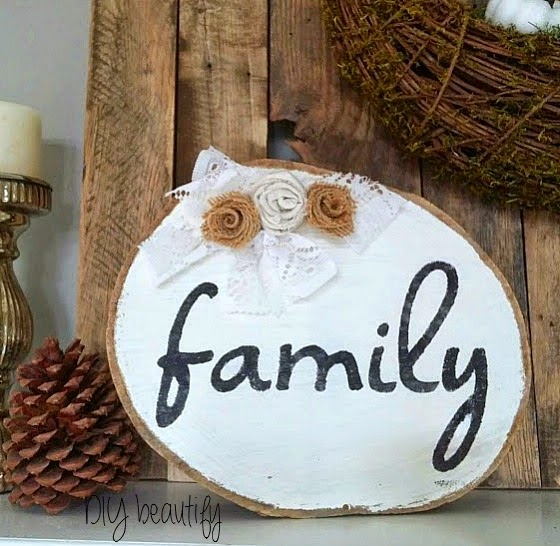 wood slice family sign burlap lace drop cloth www.diybeautify.com