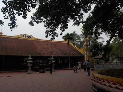 ハノイの鎮国寺本堂