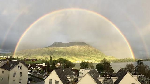 Regenbogen über der Rigi