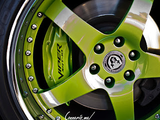 Dodge_Viper_Custom_Lime_Green_Accents