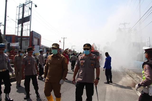 Pemkab Bersama Polres Dan Kodim 0206 Dairi Adakan Penyemprotan Desinfektan Di Kota Sidikalang
