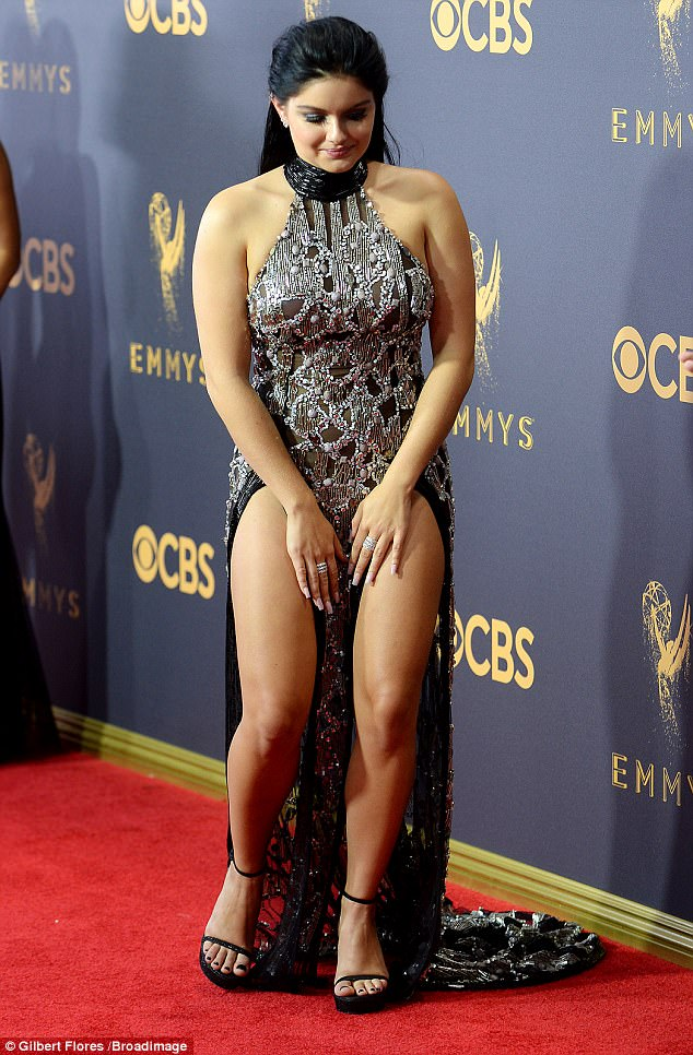 Ariel Winter suffers embarrassing wardrobe malfunction at the 2017 Emmy Awards
