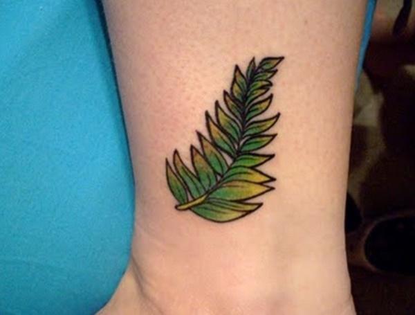 Tatuagens femininas de folhas