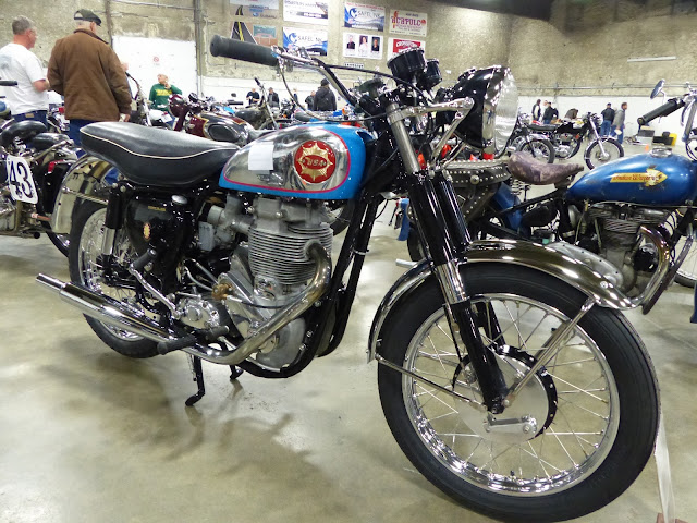 BSA Gold Star Clubman Tail Look