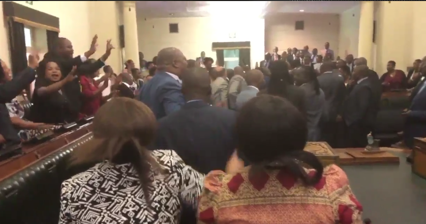PARLY SESSION ENDS AMID CHAOS