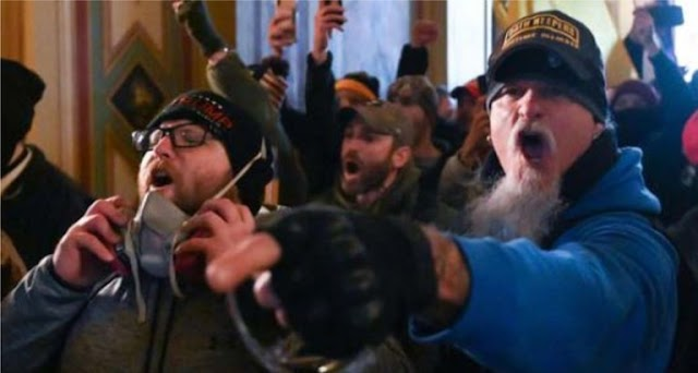 Jon Schaffer (Iced Earth) foi preso devido à sua participação na invasão do Capitólio dos EUA (atualização)
