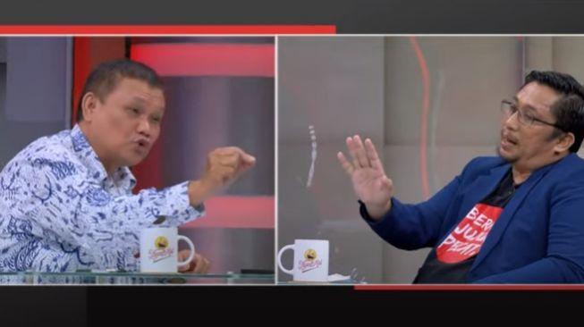 Feri Amsari: Koruptor Nyalon Jadi Anggota DPR Tidak Dites TWK, Pejuang Anti Korupsi Malah Harus Dites