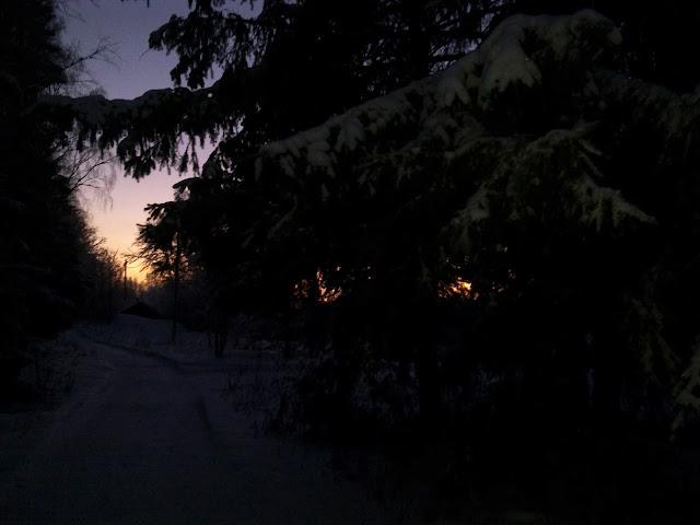 talvi-ilta, auringonlasku, kirkkotarha, polku, ilta