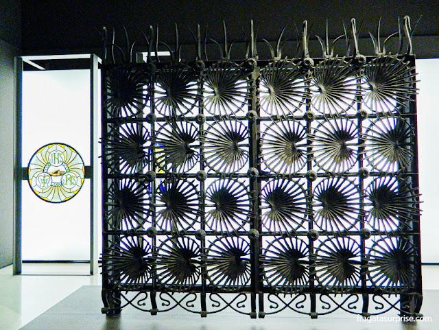 O portão da Casa Vicens, de Antoni Gaudí