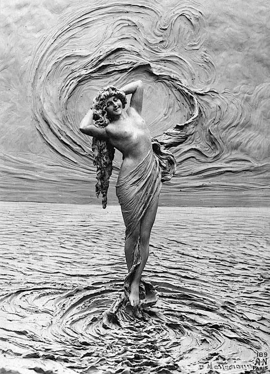 a 1912 weird sculpture photograph