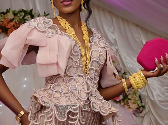 Beauté, astuce, femme, maquillage, noire, coiffure, habillement, Eyebrow, charme, boubou, tissage, LEUKSENEGAL, Dakar, Sénégal, Afrique