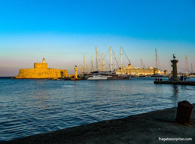 Porto de Mandráki, Ilha de Rodes, Grécia