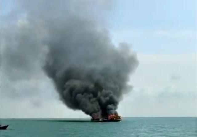Enam Kapal Pencuri Ikan Berbendera Malaysia Ditenggelamkan di Belawan