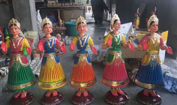 Kondapally Dancing Toys