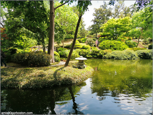 Linterna de Nieve Japonesa en el Fort Worth Japanese Garden