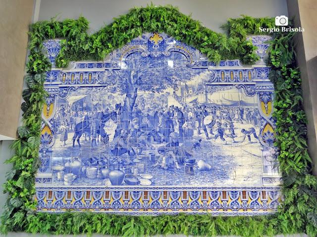 Close-up do Painel Azulejos no Edifício José Martins Borges - Bela Vista - São Paulo