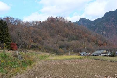 生坂村の古民家カフェ・ひとつ石 棚田と里山