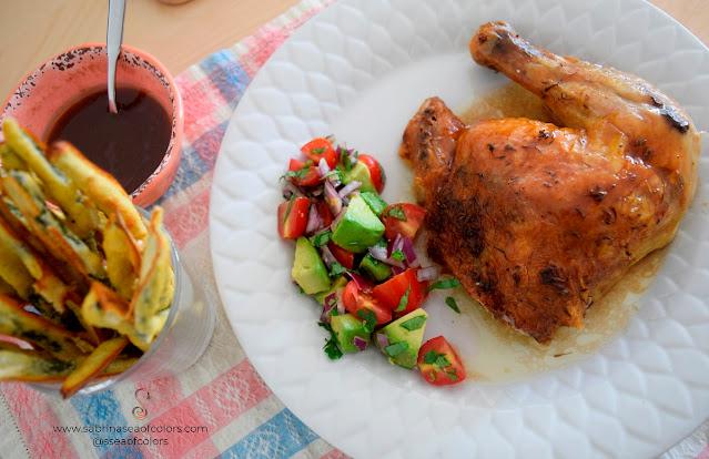 Pollo entero al horno con ensalada de aguacate