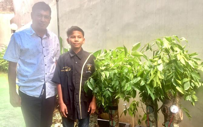 Kisah Naufal yang Menemukan Energi Listrik dari Pohon Kedondong