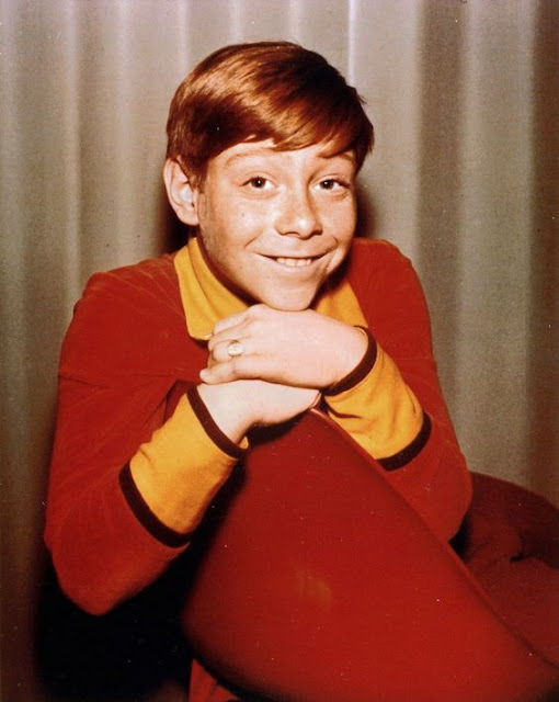 Bill Mumy on the set of Lost in Space randommusings.filminspector.com
