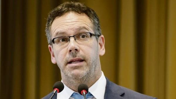 Escándalo: banqueros casi agarran a trompadas a Guido Sandleris por el default