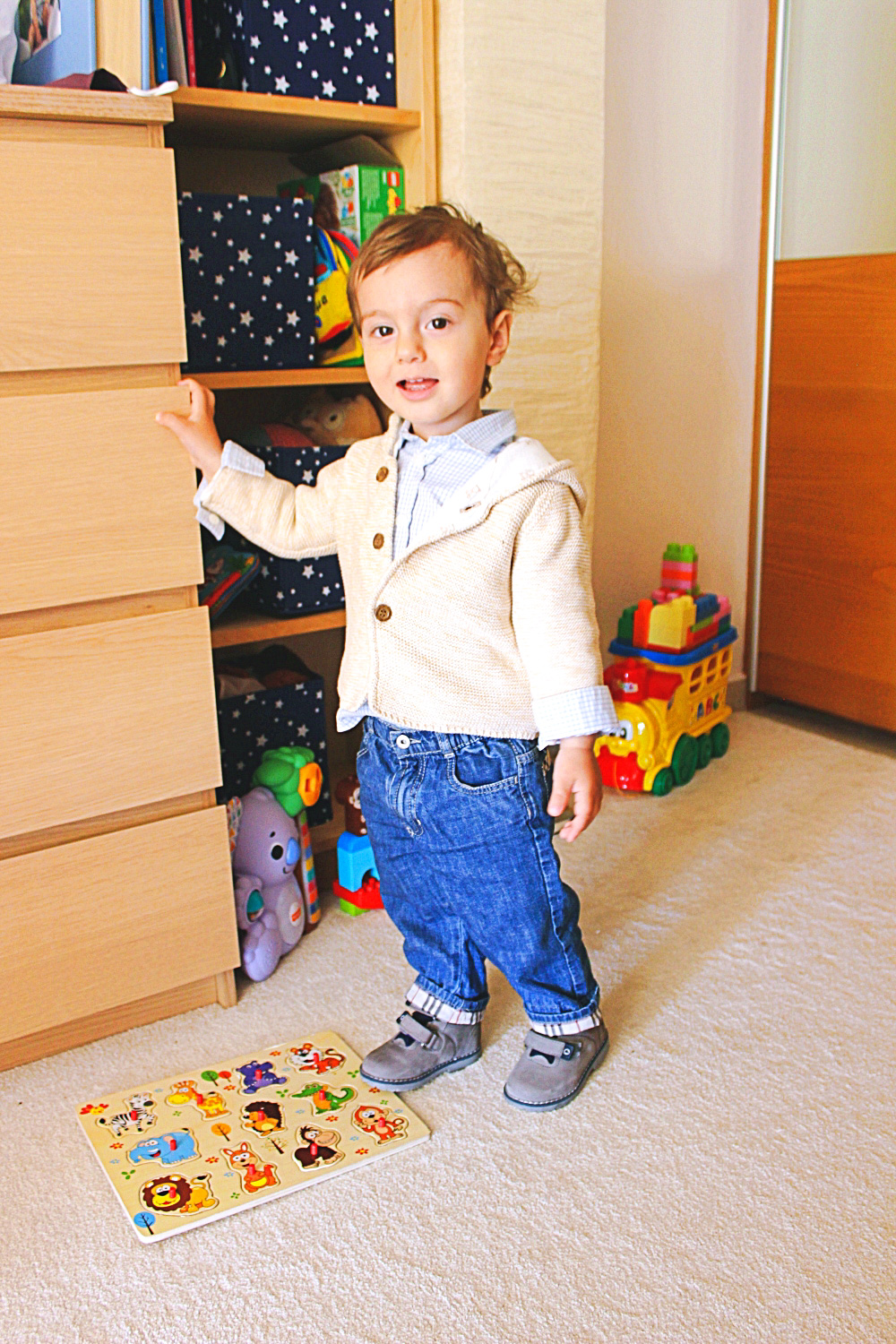 Burberry kids clothes jeans for boys, cute baby boy outfit ideas, toddler boy cute fashion style, stil za decake