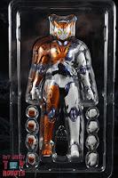 S.H. Figuarts Kamen Rider Valkyrie Rushing Cheetah Box 05