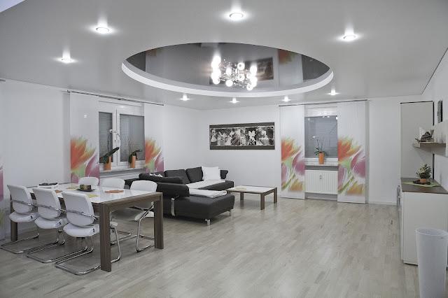 Sufit podwieszany - ile kosztuje i czy warto mieć go w salonie?