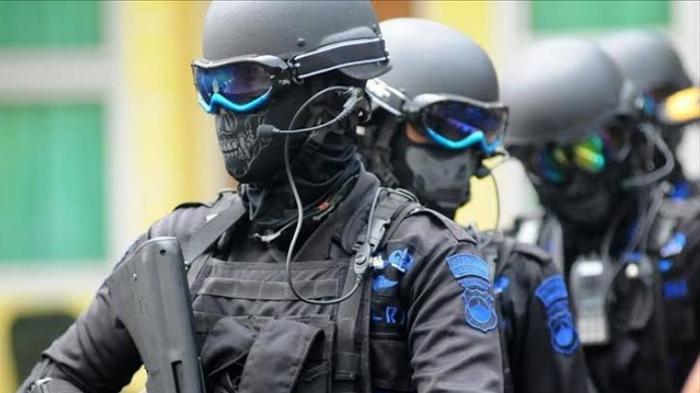 Densus 88 Ringkus Tiga Orang Terduga Teroris
