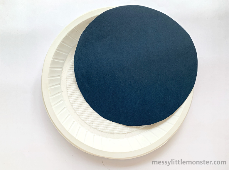 paper plate outer space craft