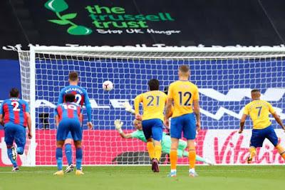 ملخص واهداف مباراة ايفرتون وكريستال بالاس (2-1) الدوري الانجليزي