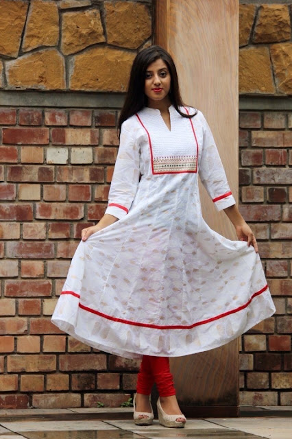 White Cotton Printed Casual Kurti