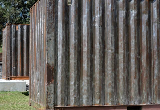 Casa RDP - Shipping Container Industrial Style House, Ecuador 33