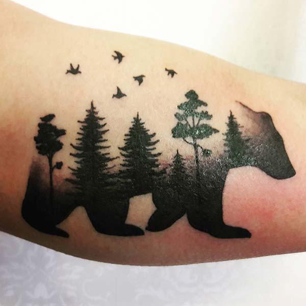 ormanlı ayı dövmesi