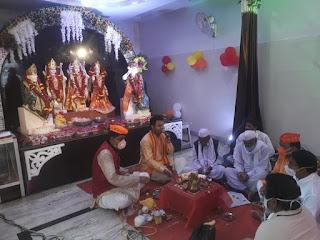प्रभु श्री राम का किया अभिषेक, भव्य श्रंगार ओर प्रसाद वितरण