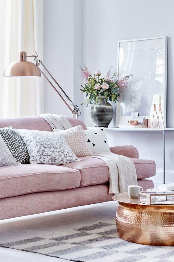 Decora tu salón en tonos rosas