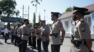 Kapolres Pimpin Langsung Pengukuhan dan Sertijab PJU di Lingkungan Polres Probolinggo Kota