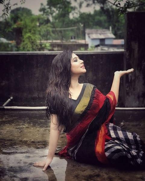 Horny Desi Girl Leaked Pics