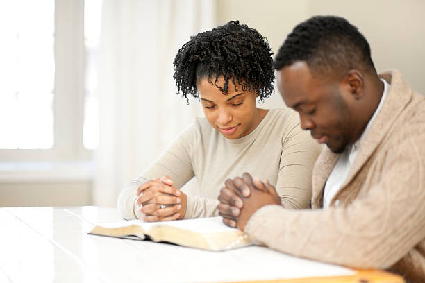 Couples Read: Praying Together Is Extremely Romantic