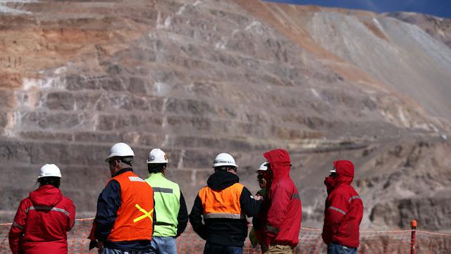 El Gobierno argentino habilita la minería y la industria forestal en medio de la cuarentena
