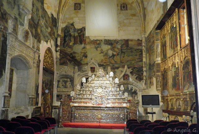 Altar de platería en la Capilla de San Ildefonso